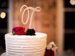 T cake topper