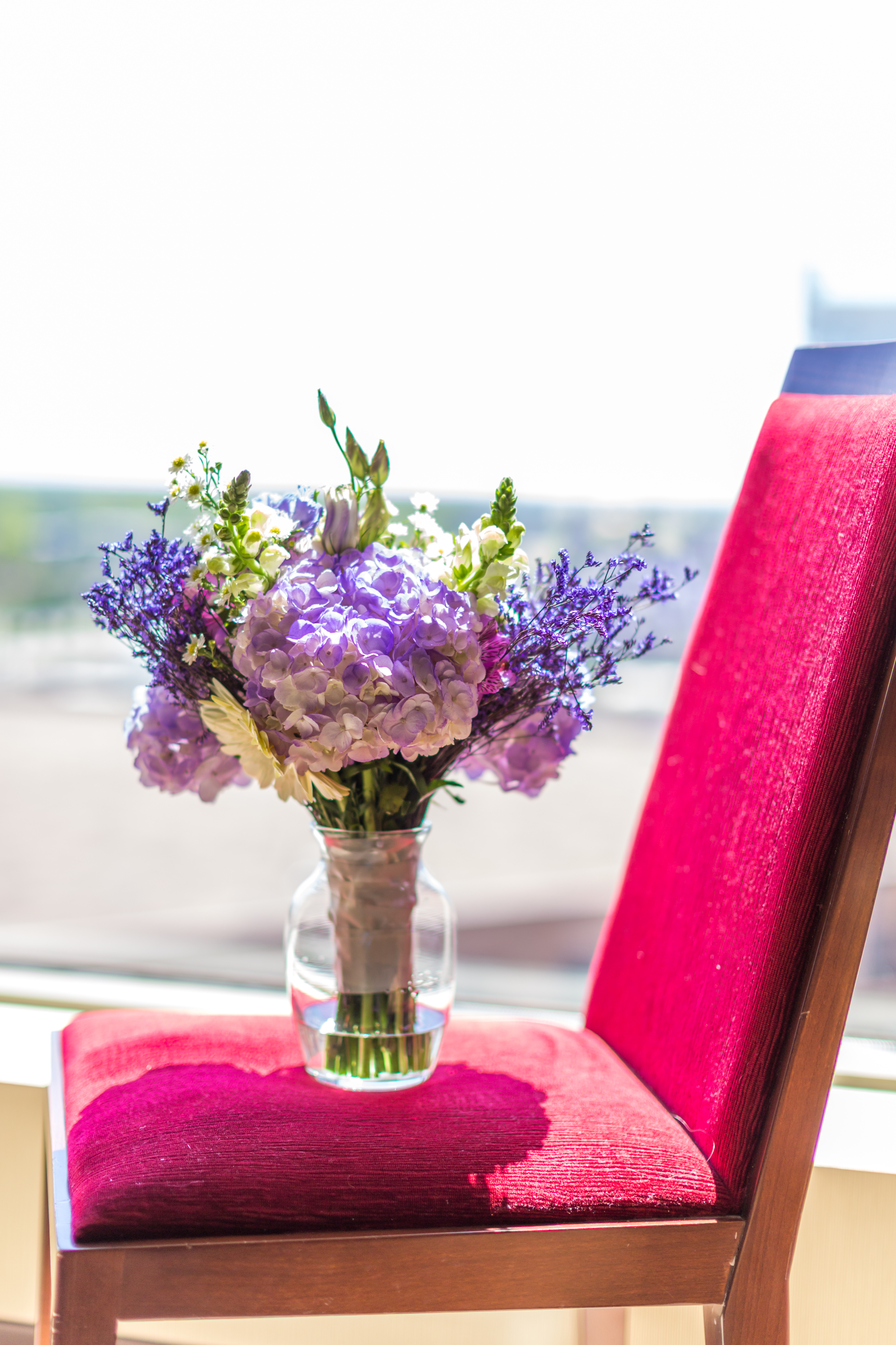 Purple hydrangea bridal bouquet at the Charlotte Hilton Center City.