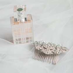Bridal items detail shots veil and jeweled comb captured by Samantha Laffoon Photography