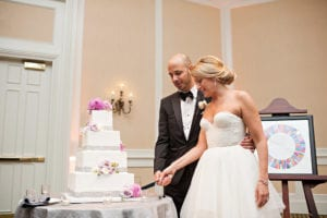 Couple cutting cake at Charlotte North Carolina Wedding