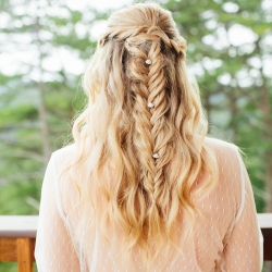 Stunning hairstyle of a bride for her mountain top wedding captured by Alex Bee Photography