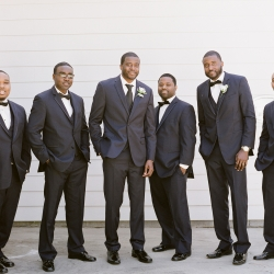 Groom and groomsmen captured before wedding ceremony at Vesuvius Vineyards