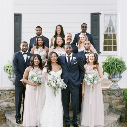 Group shot of bridal party captured by Almond Leaf Studios for a spring wedding at Vesuvius Vineyards