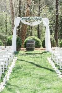 Ceremony alter for spring wedding at Vesuvius Vineyards captured by Almond Leaf Studios