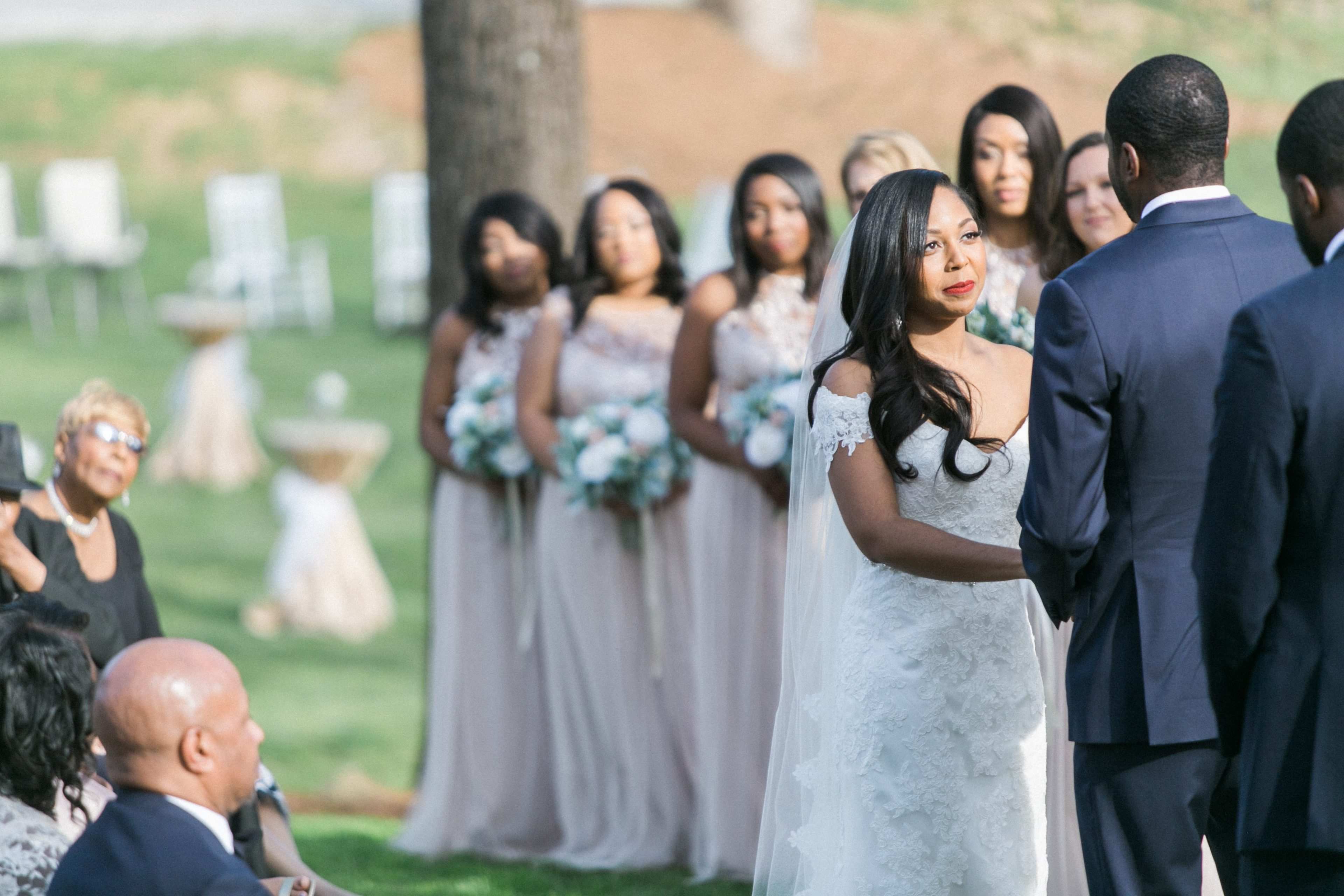 Stunning shot of wedding ceremony at Vesuvius Vineyards captured by Almond Leaf Studios