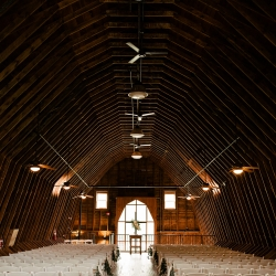 The Diary Barn was the perfect backdrop to a summer wedding ceremony coordinated by Magnificent Moments Weddings