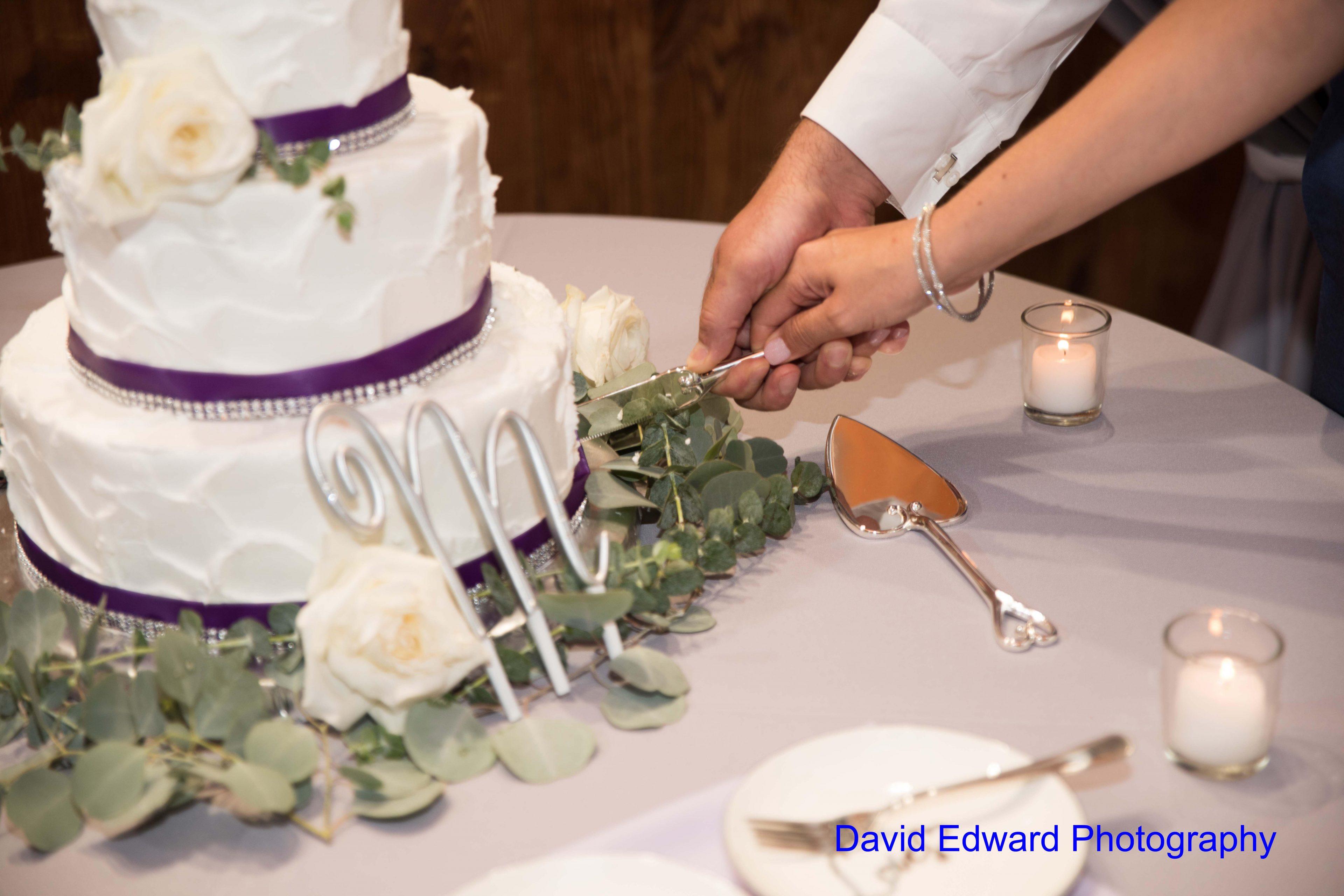 Magnificent Moments Weddings Dairy Barn David Edward Photography(17) Min