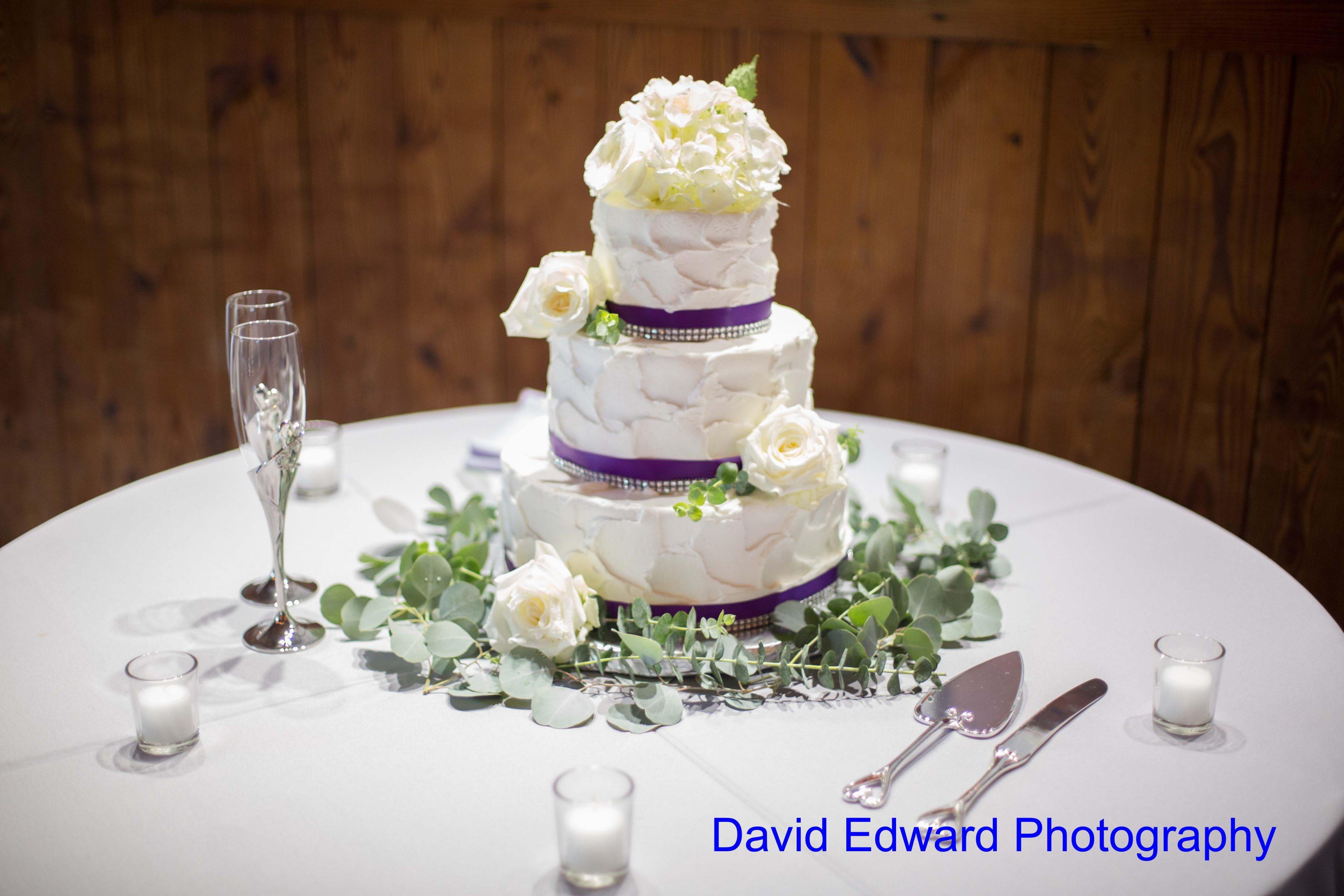 Magnificent Moments Weddings Dairy Barn David Edward Photography(4) Min