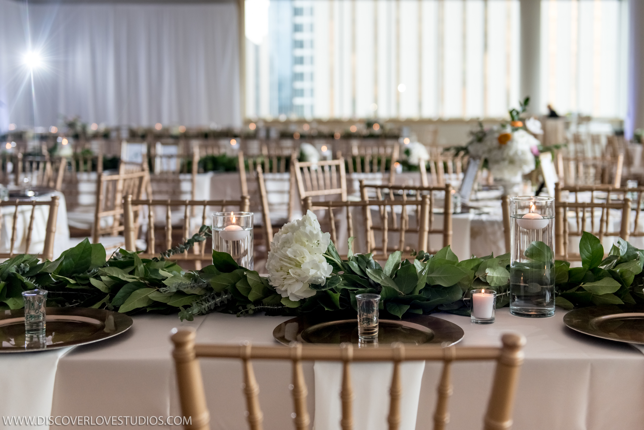 Discover Love Studios captures wedding reception at the Mint Museum Uptown coordinated by Magnificent Moments Weddings