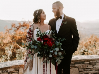 Folk and Wayfarer Photography captures a couple before their mountain wedding at Jump Off Rock