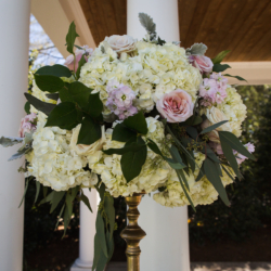 ceremony flowers by Lily Greenthumbs