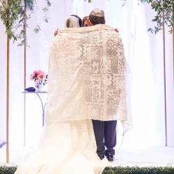 Bride and groom kept some Jewish traditions during their wedding ceremony coordinated by Magnificent Moments Weddings