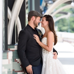 Julia Laible Photography captures a bride and groom among the city landmarks of Charlotte, North Carolina