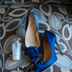 Blue heels are the perfect pop of color for a fall bride marrying in South Carolina