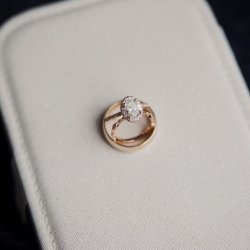 Paper Hearts Photography captures stunning details of bridal jewelry for an uptown wedding