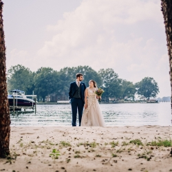 Rob + Kristen photography capture a bride and groom on their wedding day at Lake Norman
