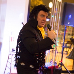 Elvis impersonator was a great hit and a fun addition to a fall wedding in Uptown Charlotte