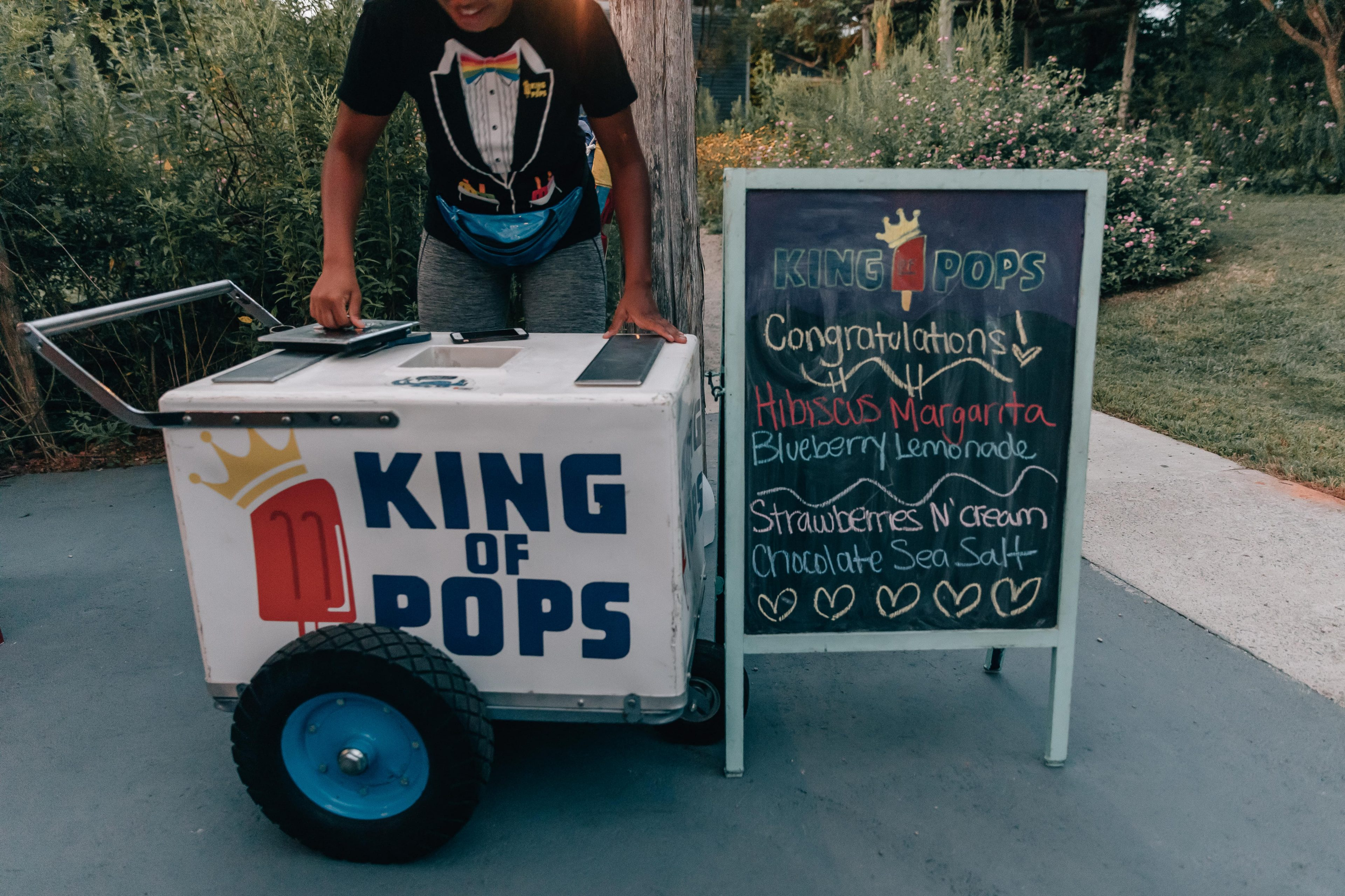 Fun Popsicle from King of Pops were the perfect dessert for a summer wedding at The Ivy Place