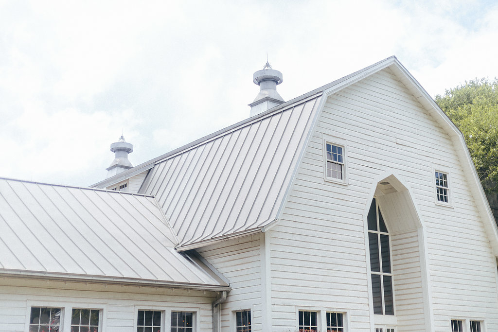 The Diary Barn in Fort Mill South Carolina makes the perfect backdrop for a spring wedding
