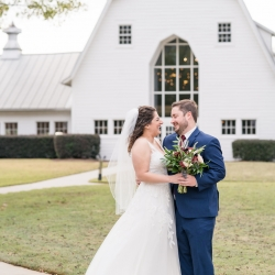 The Diary Barn serves as the perfect backdrop for a fall wedding captured by Jenny Williams Photography