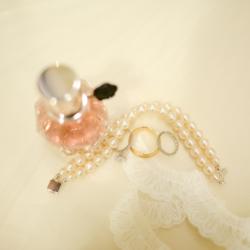 bride's wedding jewelry details