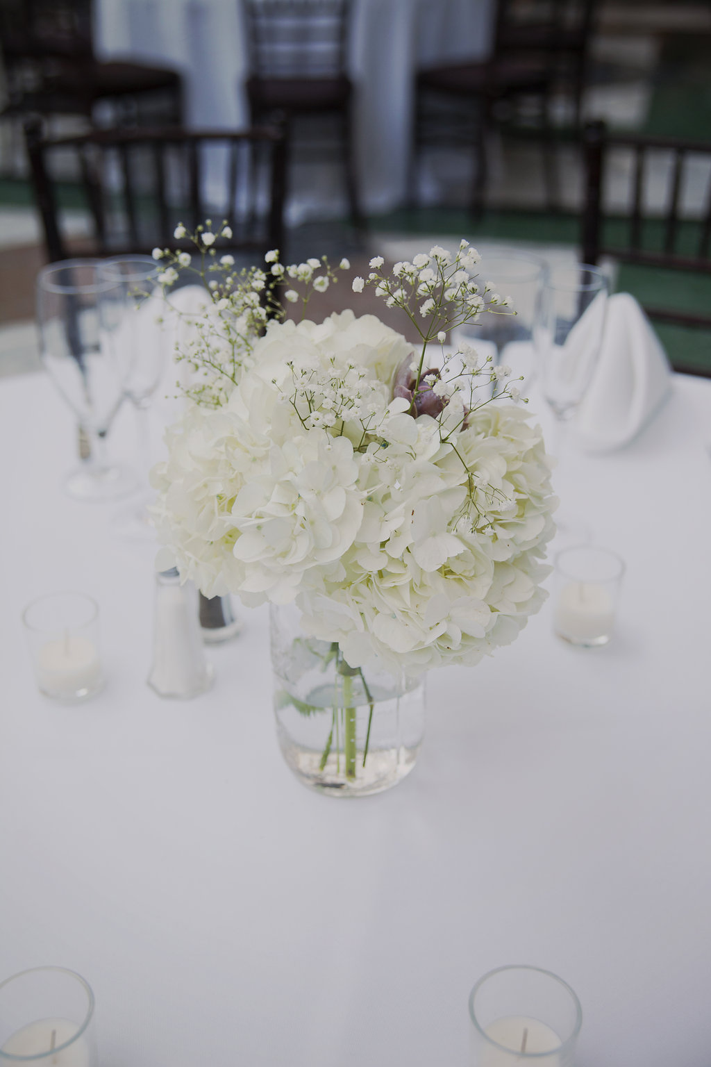 wedding centerpiece with hydrangeas