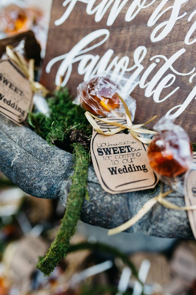 sweet tea pops wedding favors